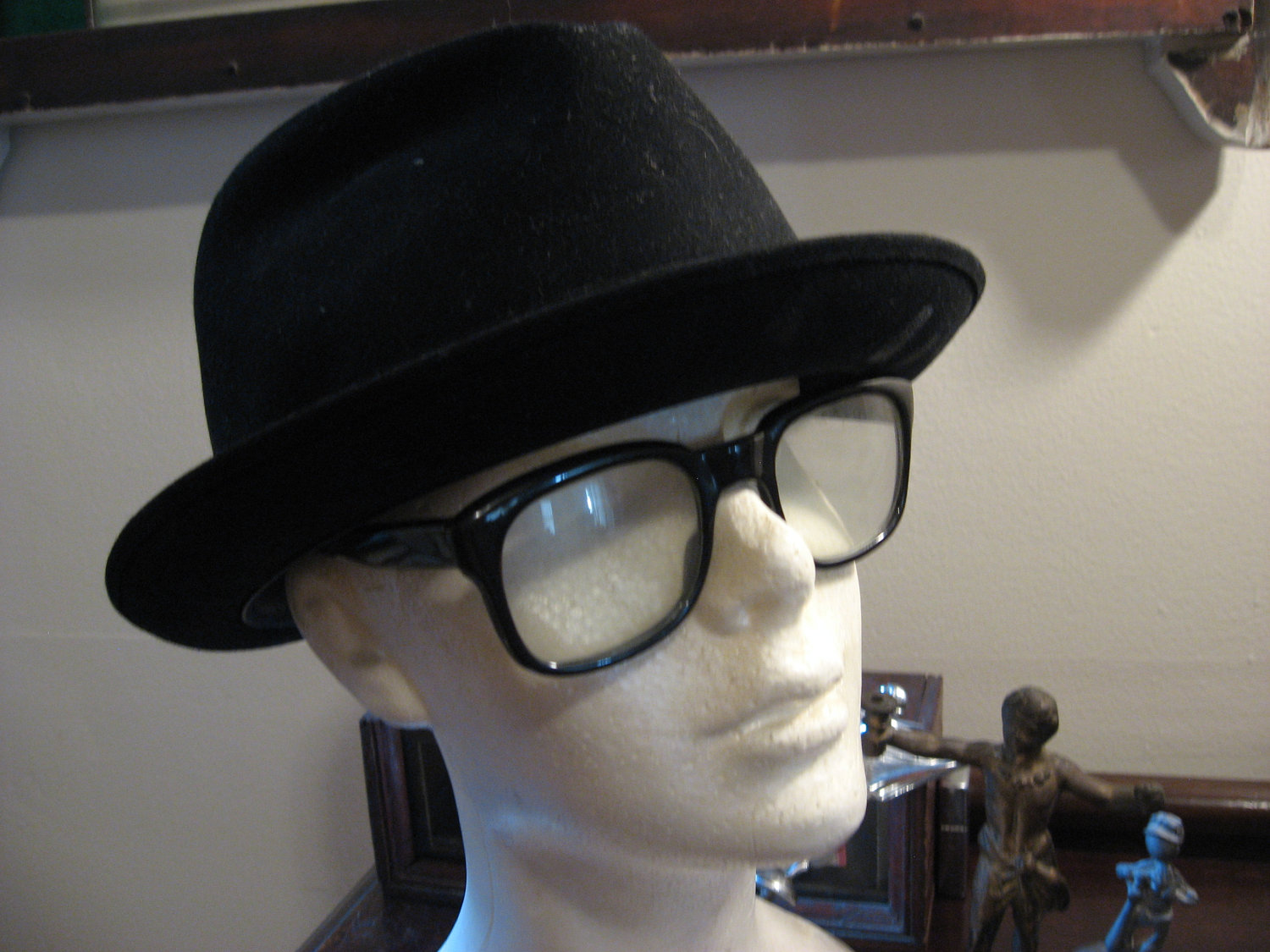 The problem with hipster hats like the Hamburg however is that these