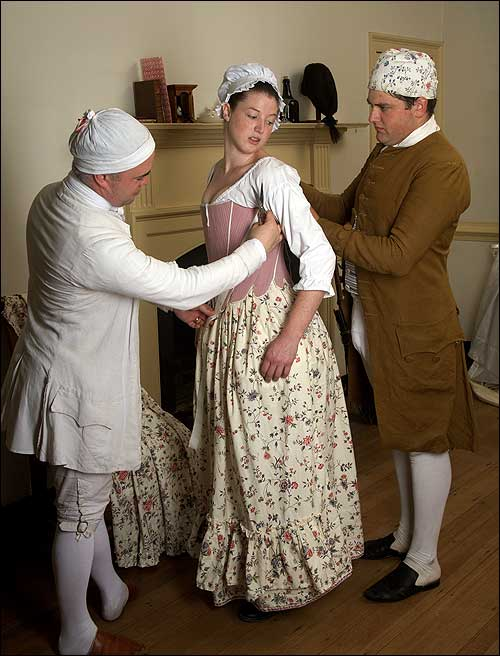 the social disadvantages of women during the colonial era The lives of women during colonial times were different than from today interesting facts about women's roles in colonial america strong social pressure was put on those who didn't marry.